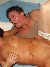 Live threesome with cock starved matures Marsha and Agnes sizing up a young cock with their throats